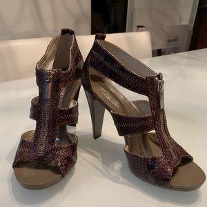 Michael Kors Berkley T-Strap Sandals Heels Cinder